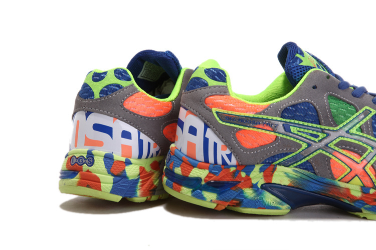 asics coloré